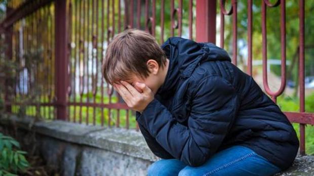 Nuevo bulo en Facebook: el niño que llora con una dirección en la mano