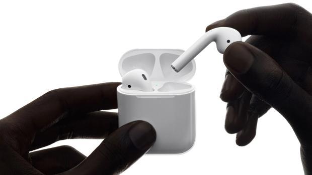 Resistentes al agua y activación por voz: Apple prepara la renovación de sus auriculares AirPods