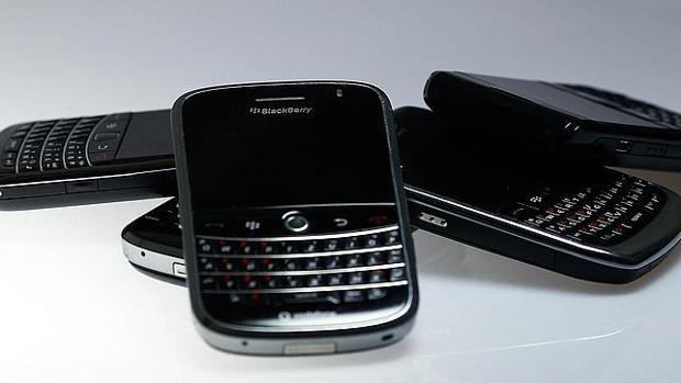 BlackBerry denuncia que Facebook, Instagram y WhatsApp le han copiado la función de mensajería