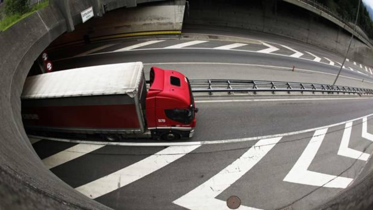 Google contra Uber: comienza la guerra de los camiones autónomos