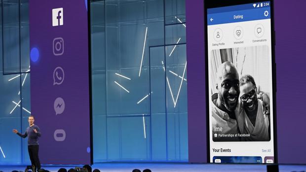 Mark Zuckerberg presentando Facebook Dating durante la F8