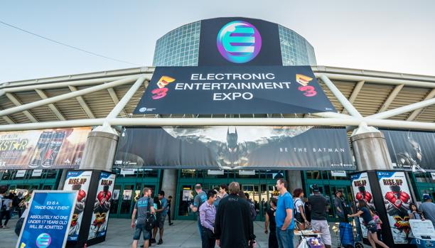 Visitantes a la feria Electronic Entertainment Expo de una edición anterior