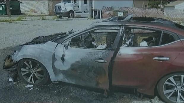 La explosión de un Samsung Galaxy acaba calcinando un coche en marcha