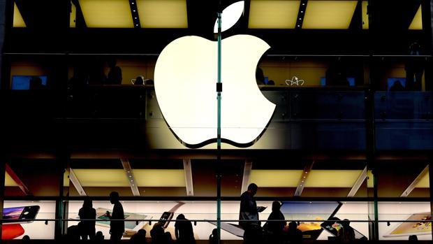 Sin clavija para cargarlo ni botones: esto es lo que Apple quiere para el futuro del iPhone