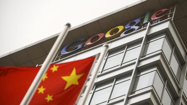 La bandera de China en el edificio que Google poseía e China en 2010, antes de su veto