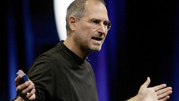 La hija de Steve Jobs carga contra él en sus memorias: «Me dijo que apestaba a retrete»