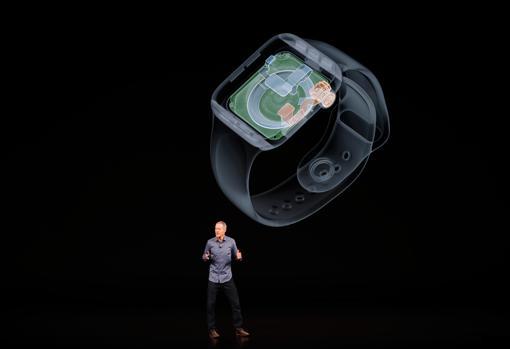 Jeff Williams, director de operaciones de Apple, en la presentación