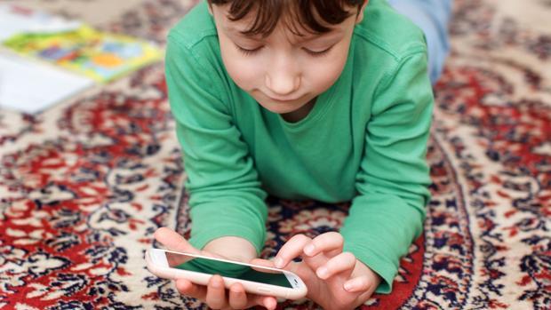 La mágica herramienta de Google con la que los padres podrán apagar el móvil de sus hijos de forma remota