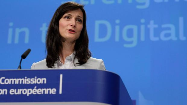 Europa ordena a los gigantes de Silicon Valley que intensifiquen la guerra contra las noticias falsas