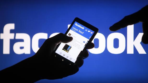 Cómo añadir encuestas a las retransmisiones en vídeo en Facebook