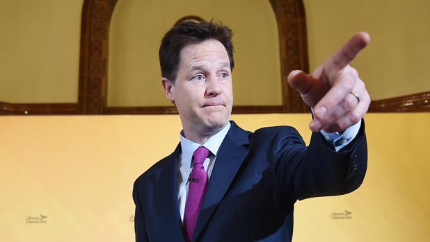 Facebook ficha a Nick Clegg, exviceprimer ministro británico