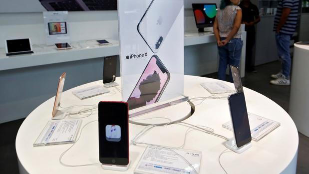 ¿Problemas con la pantalla de tu iPhone X? Apple te la cambia