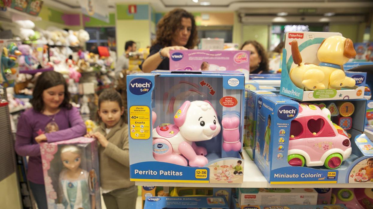 Más de la mitad de los niños recibió juguetes con tecnología el último año