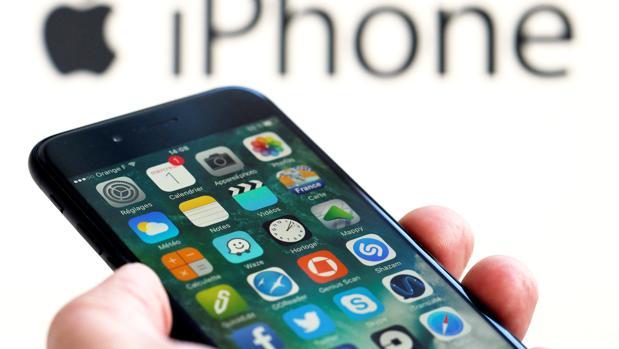 Apple firma la paz con Facebook y Google tras bloquearlos en iOS por protección de datos