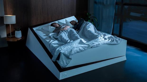 Así es la cama inteligente en la que dormirás a gusto sin que tu pareja invada tu espacio