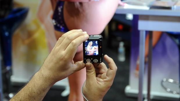 Pornografía de venganza: Facebook prepara una inteligencia artificial para frenar la difusión de fotos íntimas