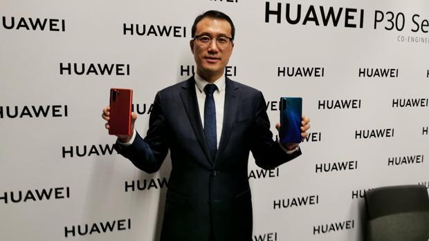 Kevin Ho (Huawei): «Si el consumidor quiere un teléfono nuevo este año tendrá que ser 4G»