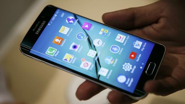 Estas son las cinco averías más comunes en los móviles: así puedes evitarlas
