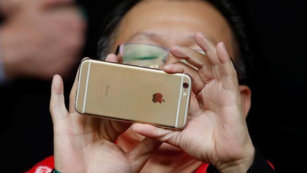 Apple informará mejor a sus clientes tras ser investigada en Reino Unido por obsolescencia programada