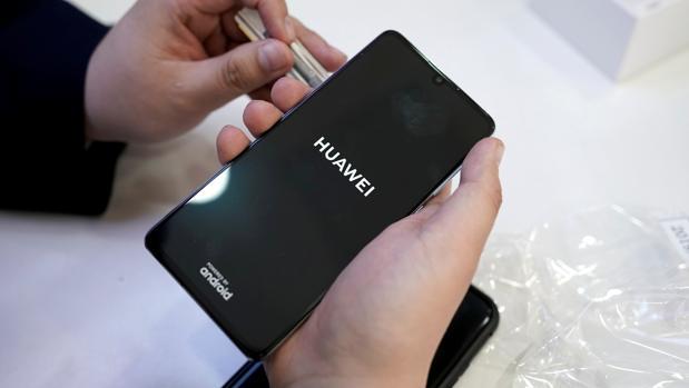Huawei estudia aliarse a la compañía portuguesa de «apps» Aptoide para sustituir a la Google Play