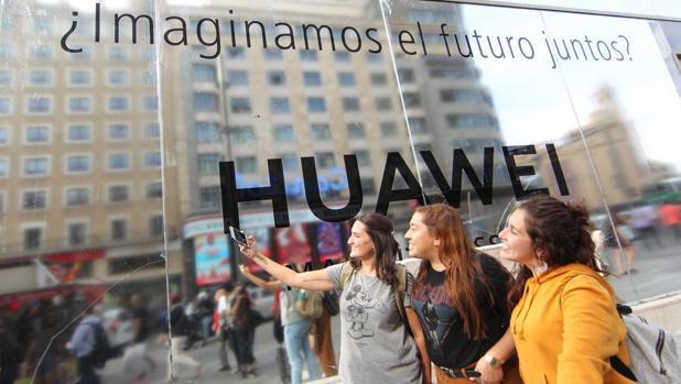 Huawei seguirá usando tarjetas SD: regresa a la lista de la SD Association a pesar de las presiones de Trump