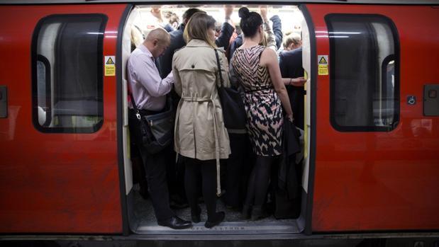 ¿Va el metro lleno de gente? Google Maps informa cómo de congestionado está el transporte público