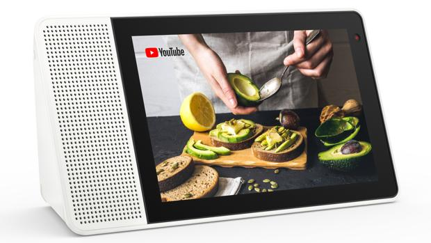 Lenovo entra en la era de los altavoces inteligentes con Smart Display: inteligente... y reversible