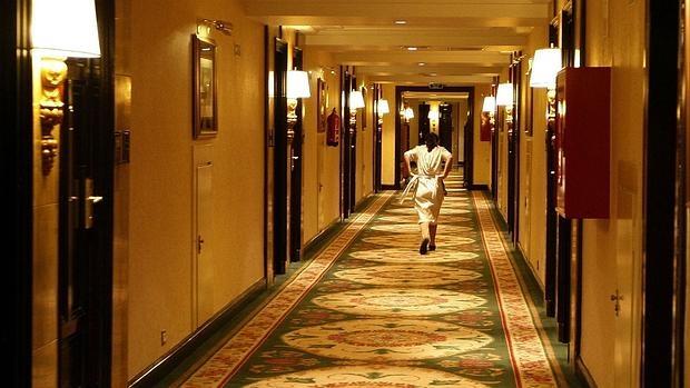 Tampoco es aconsejable mirar en lugares ocultos de la habitación, pues es donde se acumula la mugre