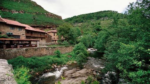 Bárcena Mayor, en el Parque Natural Saja-Besaya