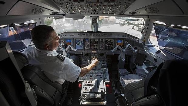 Los peligrosos secretos de los viajes en avión que los pilotos no quieren que sepas