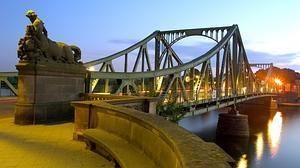 Así es el verdadero Puente de los espías