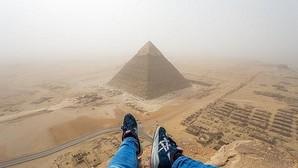 Las imágenes únicas obtenidas por un turista que escaló la pirámide de Keops