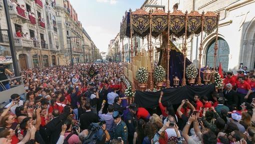 Miercoles Santo en Granada. Estacion de penitencia del Cristo de los Gitanos