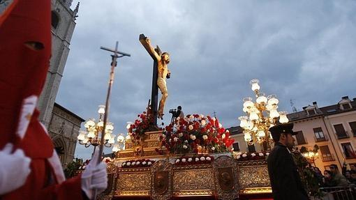 Procesión del Santo Entierro por las calles de Palencia