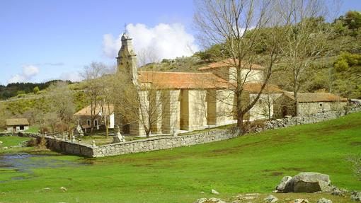 Ermita de la Virgen de las Fuentes, en San Juan del Olmo, Ávila