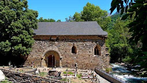 Iglesia de San Juan de Isil, una de las construcciones románicas más notables del Valle de Aneu