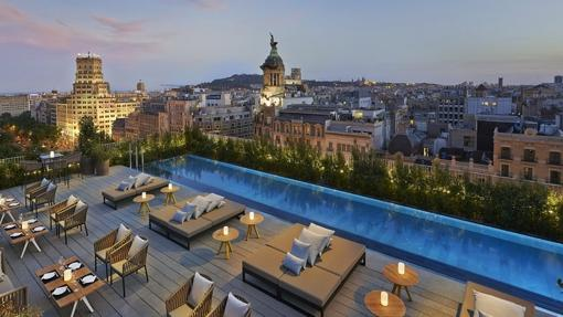 Once alucinantes piscinas de hoteles en espa a - Hotel piscina barcellona ...