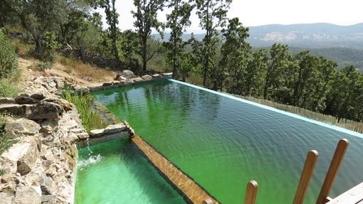 Turismo rural diez casas rurales con piscinas id licas for Casas rurales en badajoz con piscina