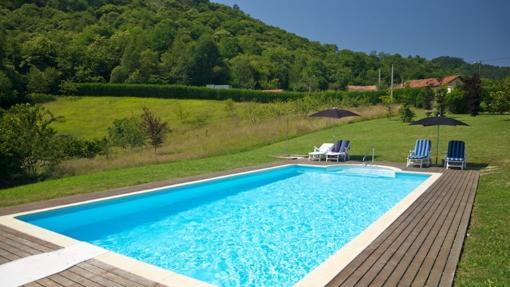 Turismo rural diez casas rurales con piscinas id licas for Casas rurales con piscina en alquiler