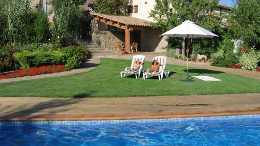 Turismo rural diez casas rurales con piscinas id licas - Casas rurales lleida piscina ...