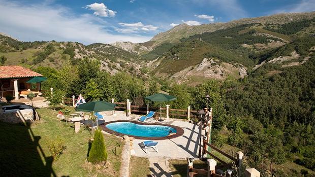 Turismo rural diez casas rurales con piscinas id licas for Casas rurales con piscina en castilla la mancha