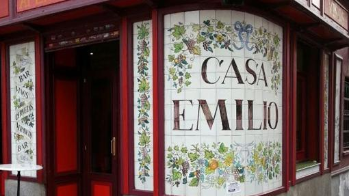 Entrada a Casa Emilio