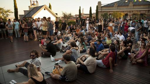 Terrazas de verano veinte azoteas impresionantes para ver for Terraza la casa encendida precios