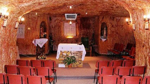 La iglesia del pueblo está a 15 metros bajo tierra