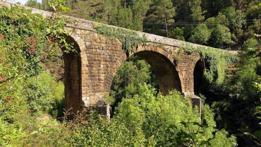 Puente del Bibey desde la orilla oeste