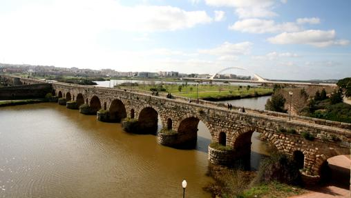 Puente Romano sobre el Río Guadiana, en Mérida