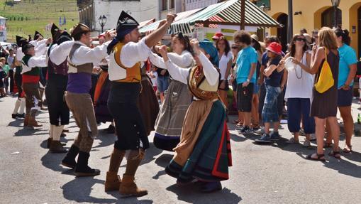 Día de los Pueblos de Asturias en Navelgas