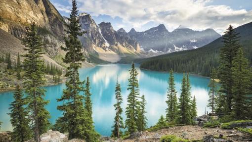Lago Moraine. en el Parque Nacional Banff, en Alberta, Canadá