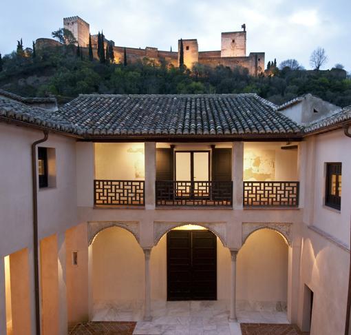 Vista de la Alhambra, al atardecer, desde la Casa de Zafra