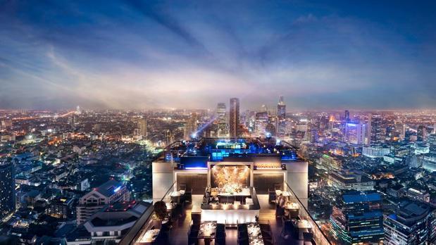 El icñonico bar de la azotea del Banyan Tree Bangkok, con toda la ciudad a sus pies